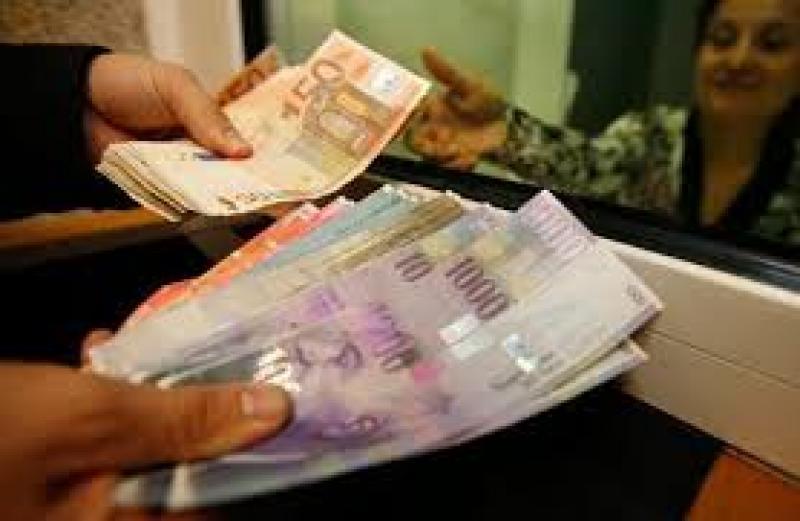 Lenka Bolkova: půjčku od 50 000 do 50 000 000 Kč (1/1)