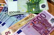 Nabídka půjček mezi soukromým a vážným
